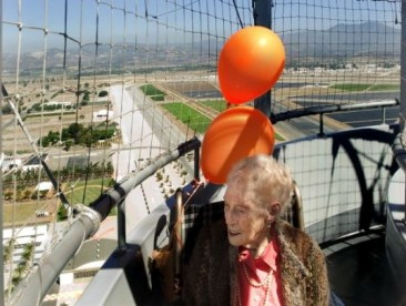 At 105, She soars on dream ballon flight
