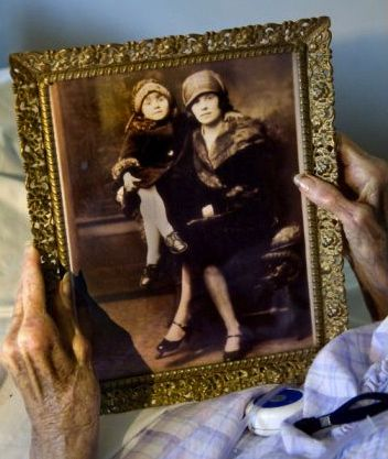 Dying woman reveals family gangster's secret